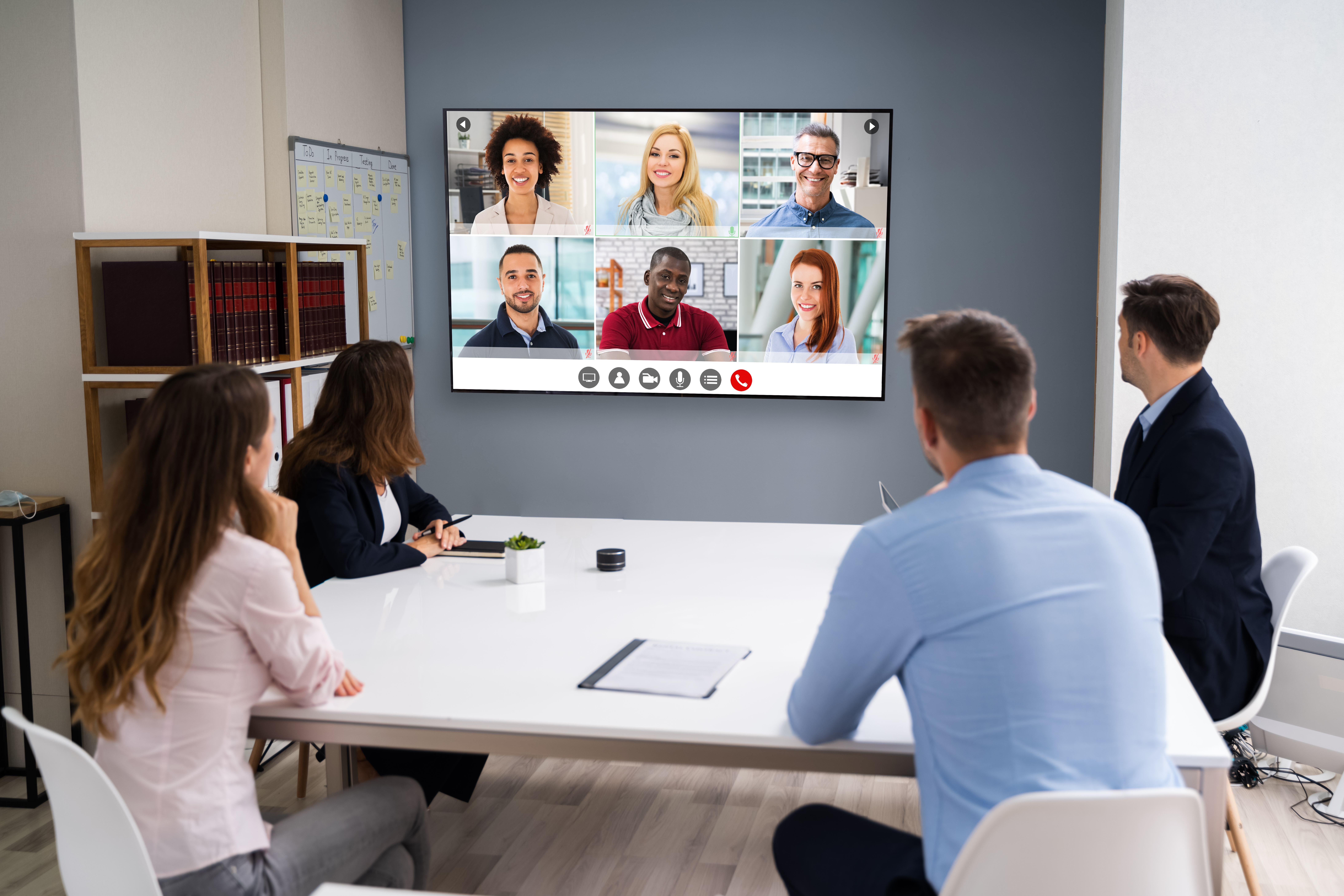 How to Host a BYOM Conference Call in a Meeting Room